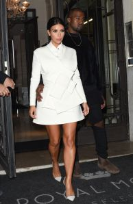 kim-kardashian-arrives-at-a-party-at-fashion-week-in-paris_1